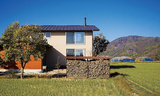 ふるさとの風景に受け容れられる家